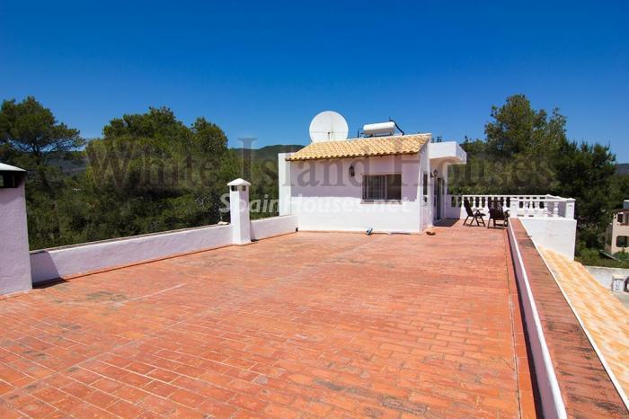 14-villa-for-sale-in-santa-eulalia-del-rio-ibiza