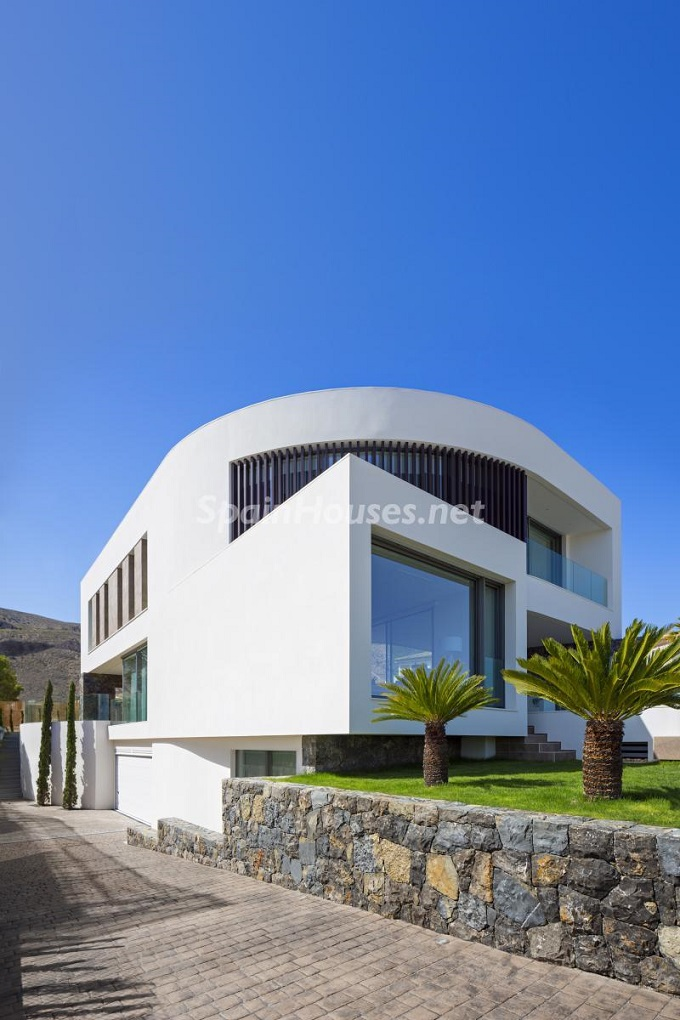 14-villa-in-finestrat-alicante-designed-by-gestec