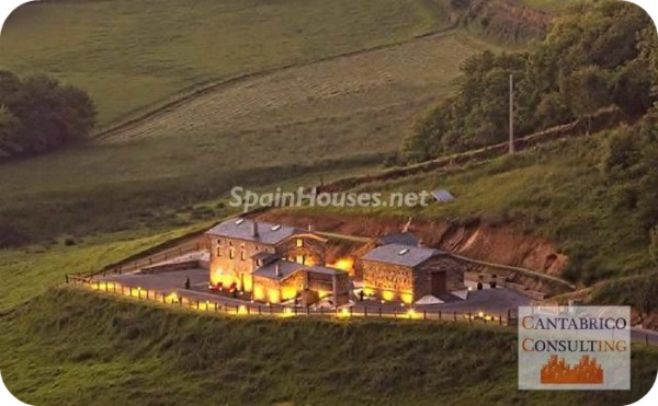 14004 754103 foto10840511 - What would it be like to live in a castle? Here's an opportunity in Coaña, Asturias!