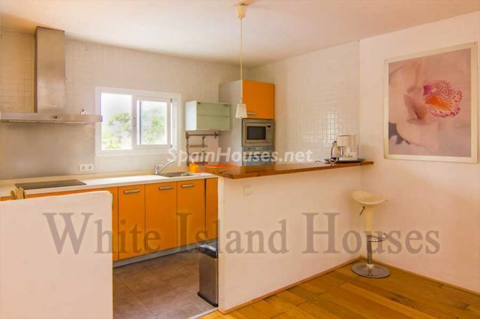 1424 - White and Minimalist Villa for Sale in Ibiza, Balearic Islands
