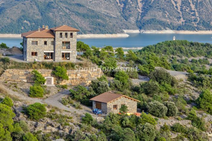 145 - Outstanding Country House for Sale in the Pyrenees