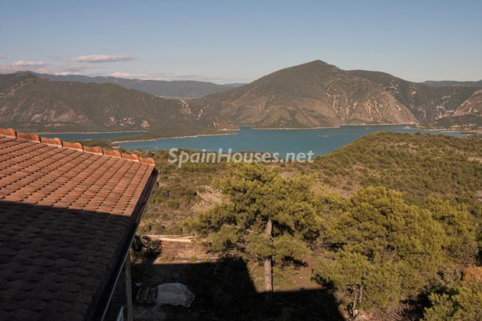 146 - Outstanding Country House for Sale in the Pyrenees