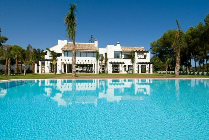 147 - Stunning Villa for Sale in Marbella, Costa del Sol