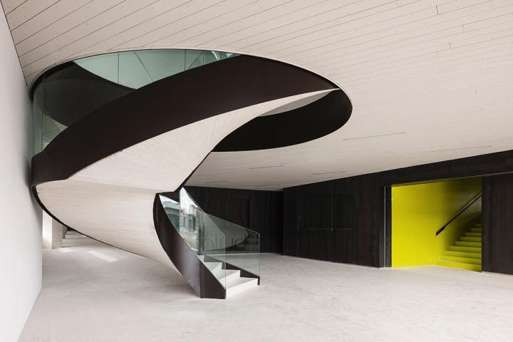 149 - Architecture: Health Sciences Faculty in Granada