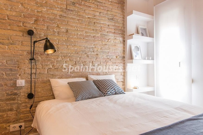 15. Apartment for sale in Barcelona - For Sale:  Renovated Apartment in Barcelona