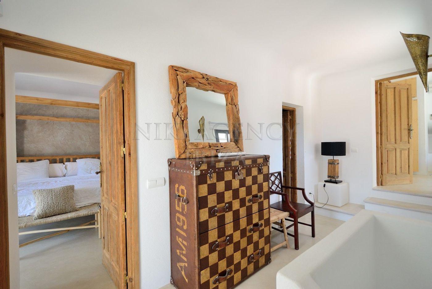 15. House for sale in Sant Josep de sa Talaia Ibiza - Fantastic 4 Bed Villa For Sale in Sant Josep de sa Talaia, Ibiza!