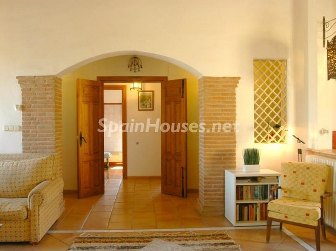 15. Villa for sale in Lecrín (Granada)