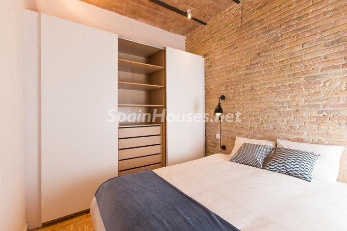 16. Apartment for sale in Barcelona - For Sale:  Renovated Apartment in Barcelona