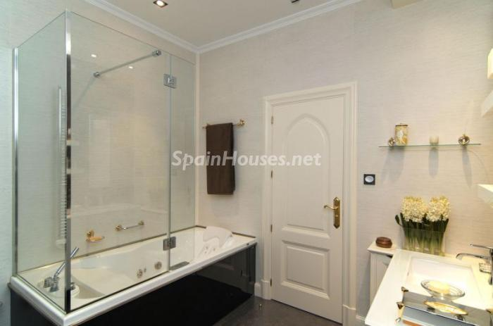 16. Apartment for sale in Salamanca - Luxurious Apartment for Sale in Madrid City
