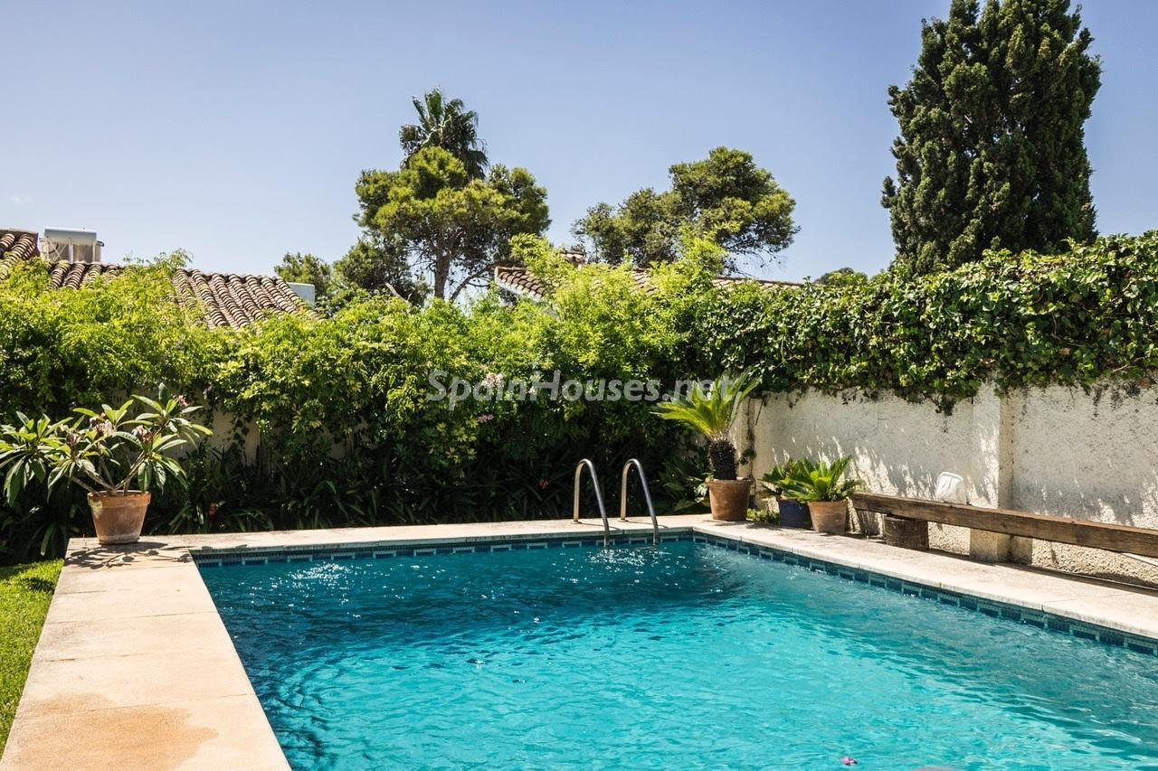 16. Detached villa for sale in Estepona - Beautiful light-filled villa for sale in Estepona (Málaga)