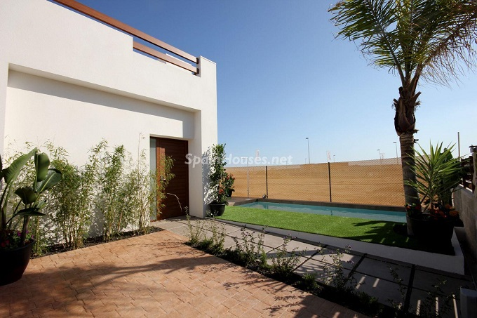 16. House for sale in San Fulgencio 1 - For Sale: Bran New House in San Fulgencio, Alicante