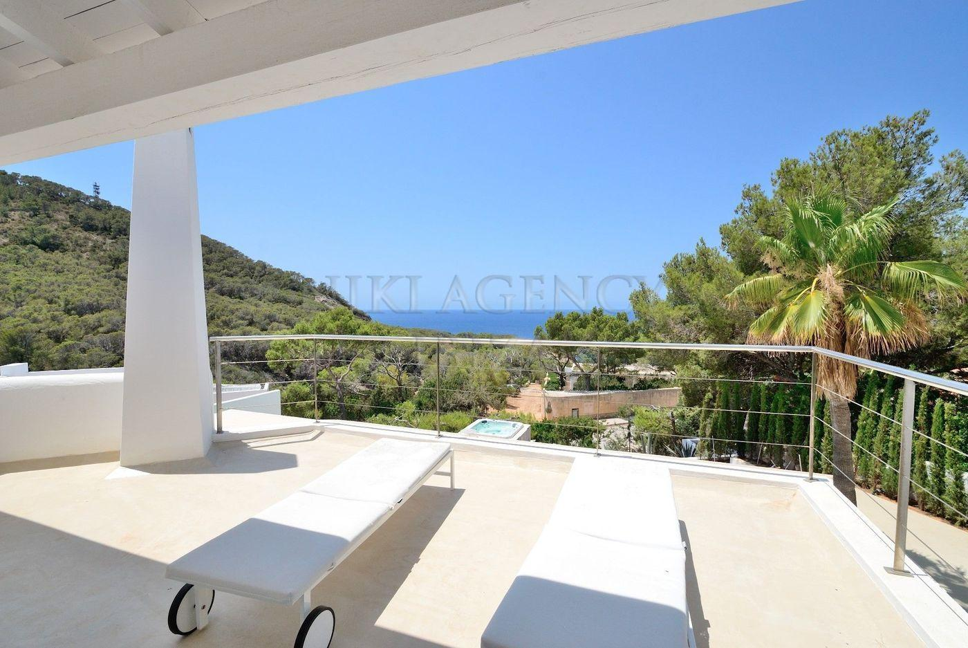 16. House for sale in Sant Josep de sa Talaia Ibiza - Fantastic 4 Bed Villa For Sale in Sant Josep de sa Talaia, Ibiza!