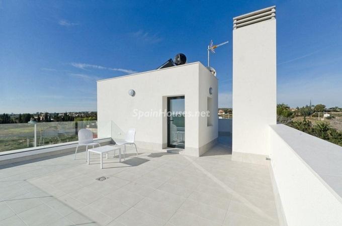 16. House for sale in Santa Pola (Alicante)