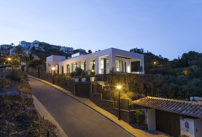 16. Villa in Marbella by Yeregui Arquitectos 1 - Contemporary Dwelling in Marbella by Yeregui Arquitectos