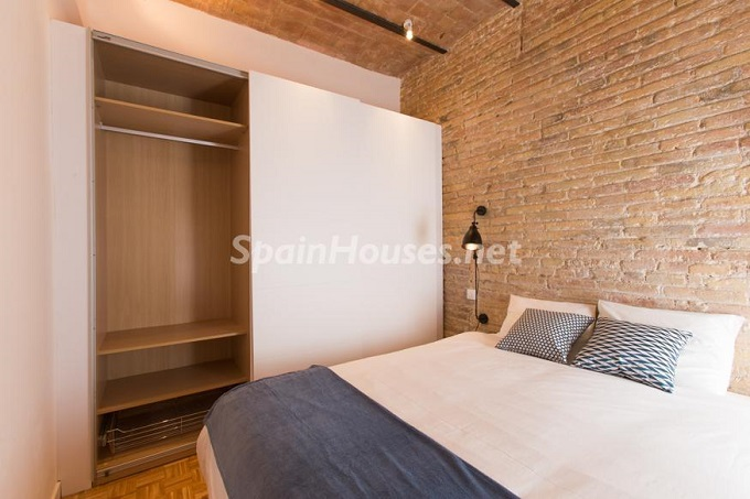 17. Apartment for sale in Barcelona - For Sale:  Renovated Apartment in Barcelona