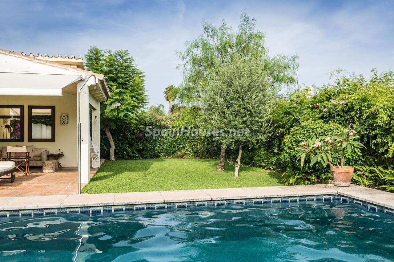 17. Detached villa for sale in Estepona - Beautiful light-filled villa for sale in Estepona (Málaga)