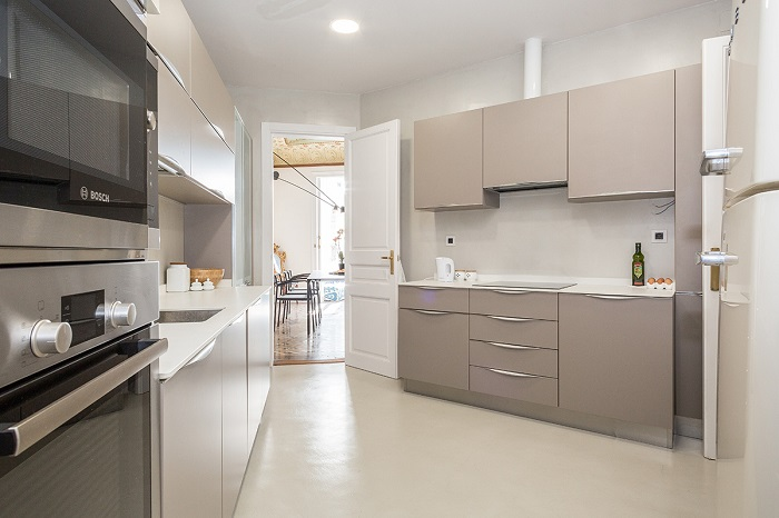 17. Flat in Eixample, Barcelona, by Squad One