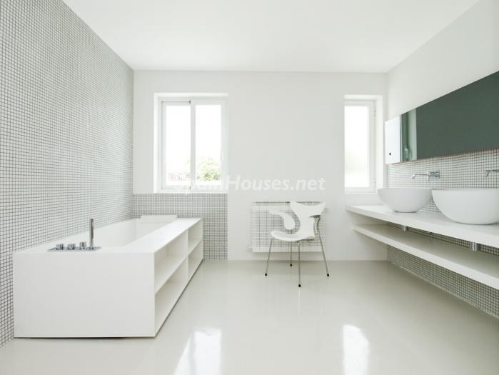 17. House for sale in Madrid - Luxury Villa for Sale in Alcobendas, Madrid