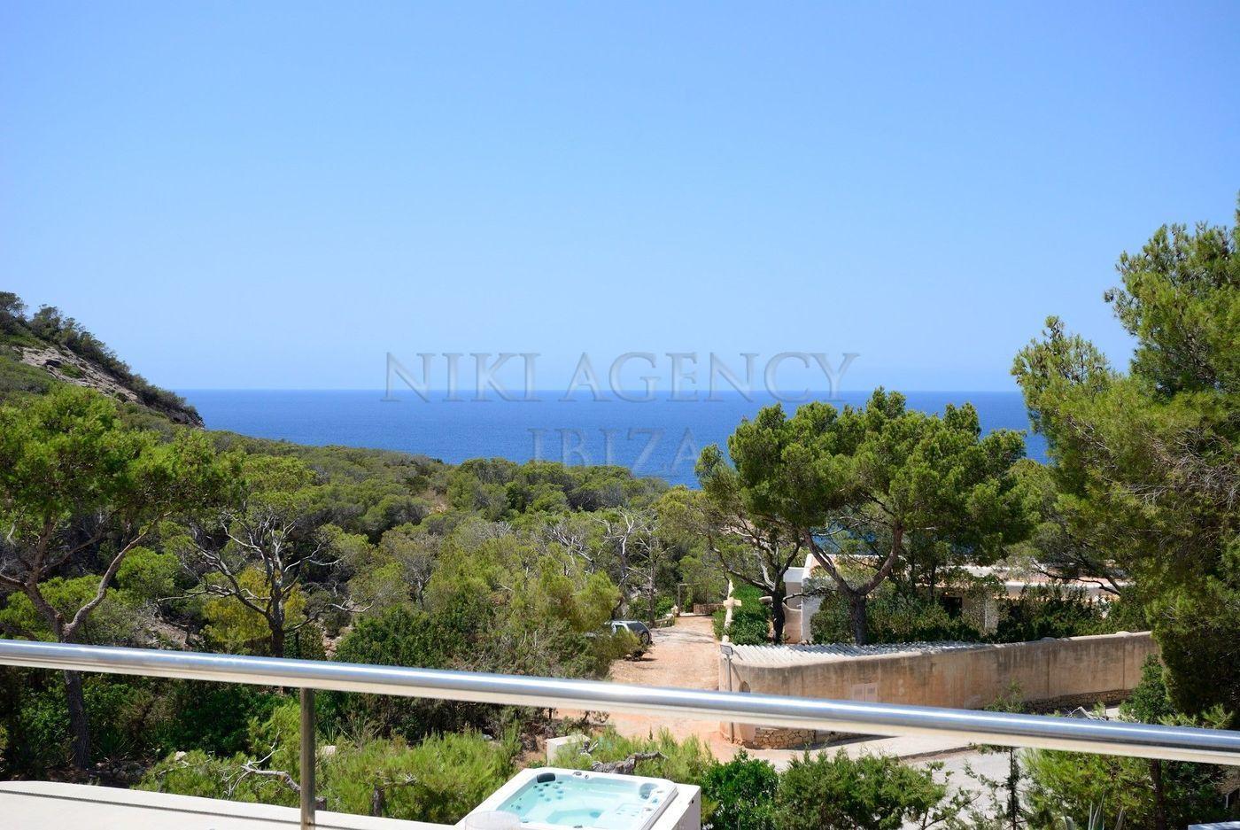 17. House for sale in Sant Josep de sa Talaia Ibiza - Fantastic 4 Bed Villa For Sale in Sant Josep de sa Talaia, Ibiza!