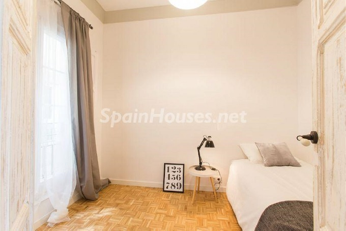 18-apartment-for-sale-in-barcelona