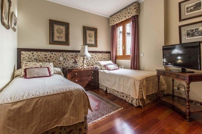 18. Apartment for sale in Madrid city - For Sale: Spacious 3 Bedroom Apartment in Madrid