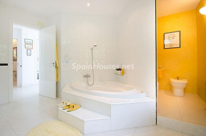 18. Detached house for sale in Torredembarra Tarragona - For Sale: Super Beach House in Torredembarra, Tarragona
