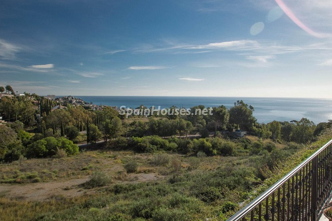 18. Detached villa for sale in Benalmádena Costa (Málaga)