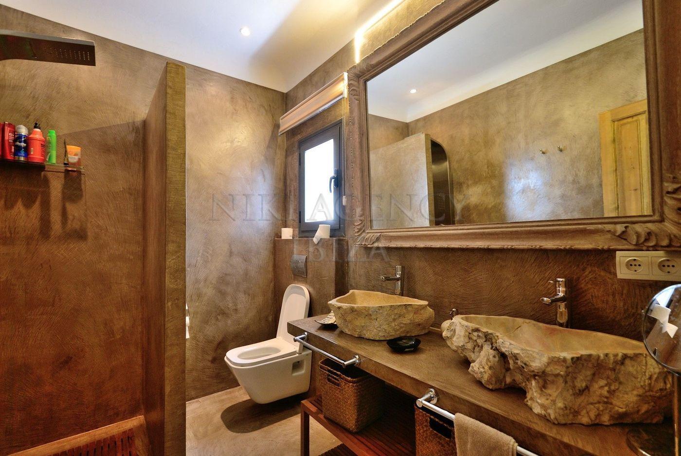 18. House for sale in Sant Josep de sa Talaia Ibiza - Fantastic 4 Bed Villa For Sale in Sant Josep de sa Talaia, Ibiza!