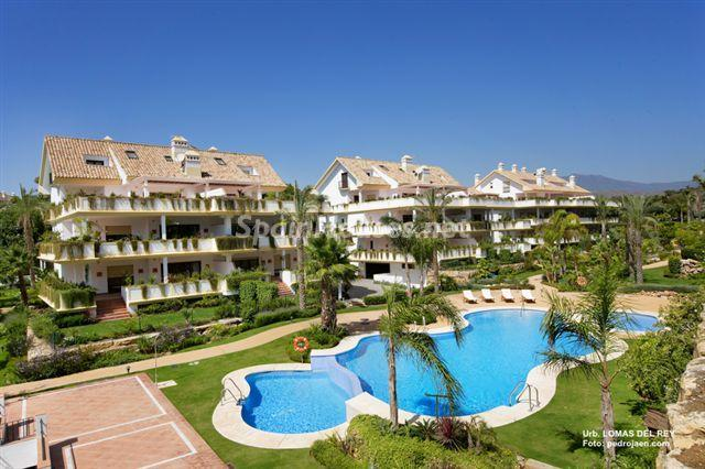 180 - Outstanding Penthouse Apartment for Sale in Marbella (Málaga)