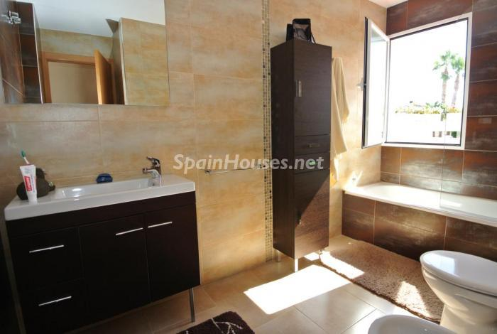 1812 - Beautiful Detached Chalet for Sale in Torrevieja (Alicante)