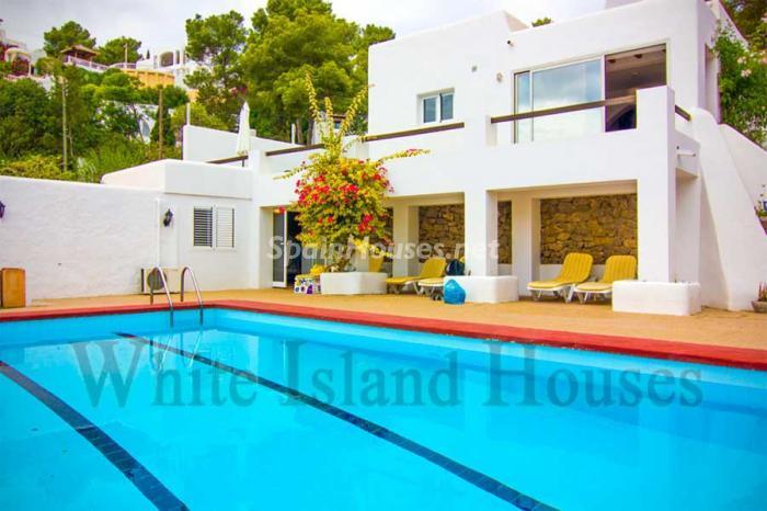 199 - White and Minimalist Villa for Sale in Ibiza, Balearic Islands