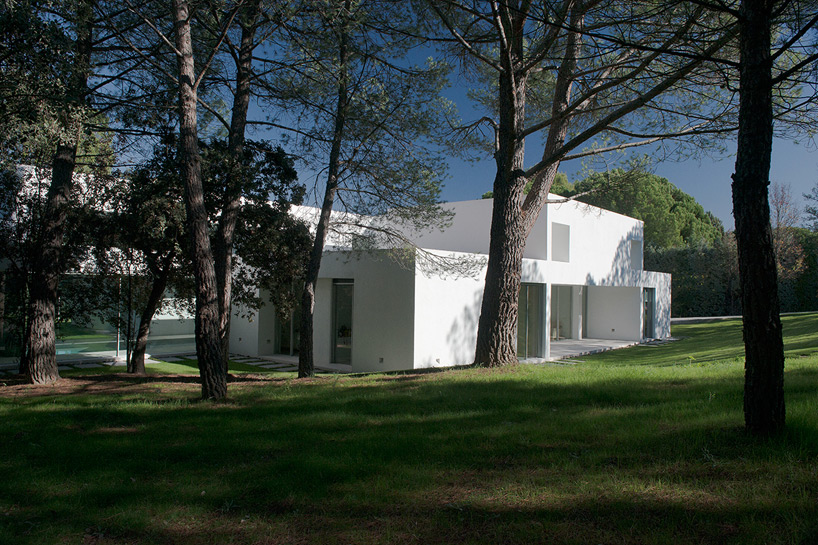 2. Casa Patio - House La Moraleja by Architect Otto Medem, in Madrid