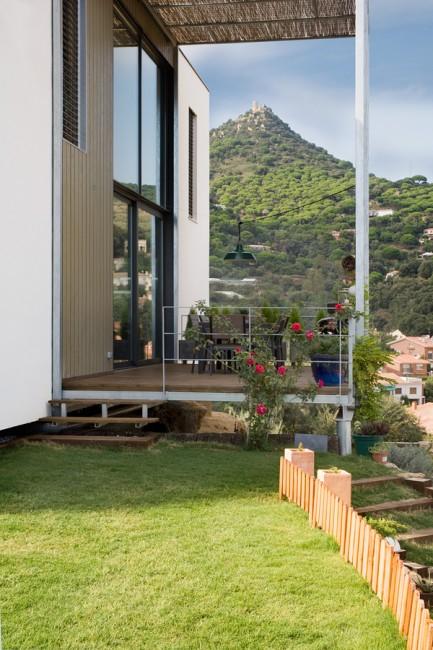 2. Casa Saüc e1442391579304 - Ecological House: Casa Saüc, in Barcelona, by NOEM