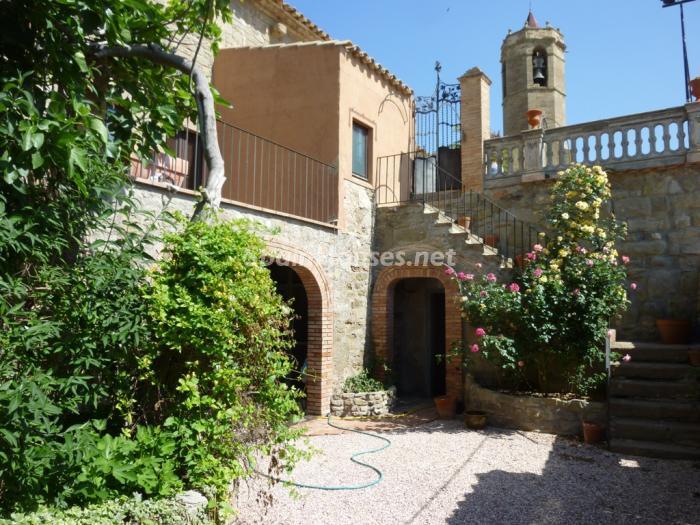 2. Detached house for sale in Cervera (Lleida)