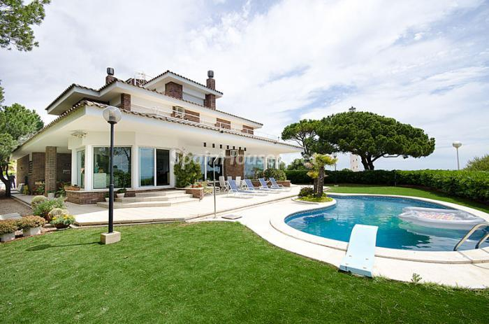 2. Detached house for sale in Torredembarra Tarragona - For Sale: Super Beach House in Torredembarra, Tarragona