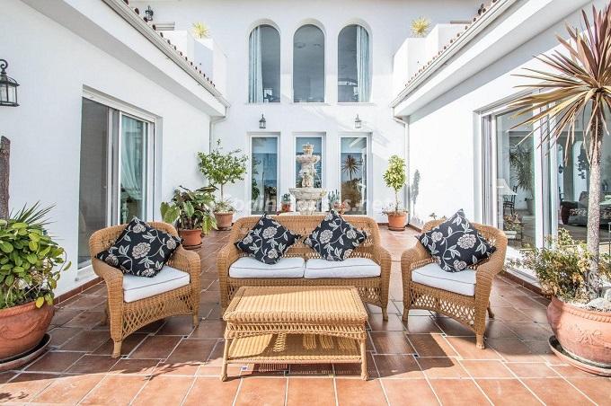 2. Detached villa for sale in Benalmádena Costa Málaga - Bright Detached Villa for Sale in Benalmádena Costa (Málaga)