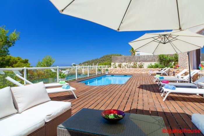 2. Detached villa for sale in Sant Josep de sa Talaia - For Sale: Luxury Retreat with Unbeatable Views in Ibiza