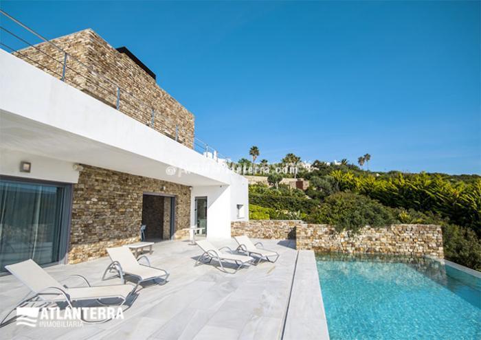 2. Detached villa for sale in Zahara de los Atunes
