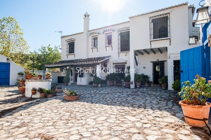 2-estate-for-sale-in-montefrio