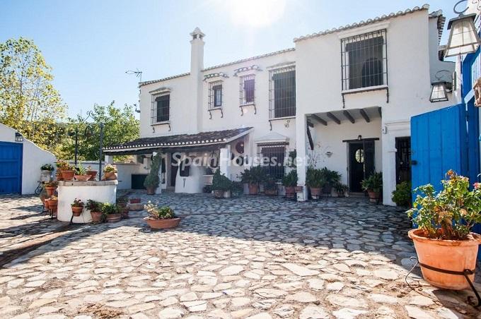 2-estate-for-sale-in-montefrio
