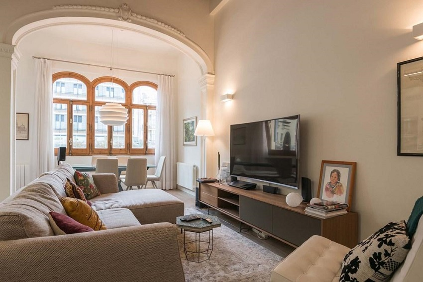 2. Flat for sale in Eixample Barcelona - For sale: Apartment in Eixample, Barcelona city centre