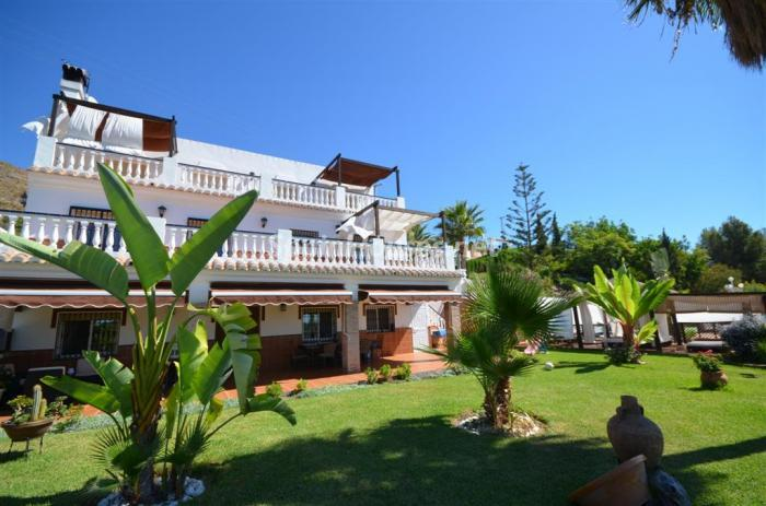2. Holiday rental villa in Nerja