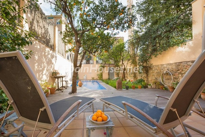 2. Home in Gràcia Barcelona - For Sale: Terraced house in the heart of Barcelona city