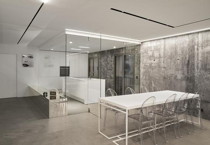 2. Home renovation in Alcúdia Mallorca 1 - Minimalist Style Apartment in Alcúdia, Mallorca, by Minimal Studio