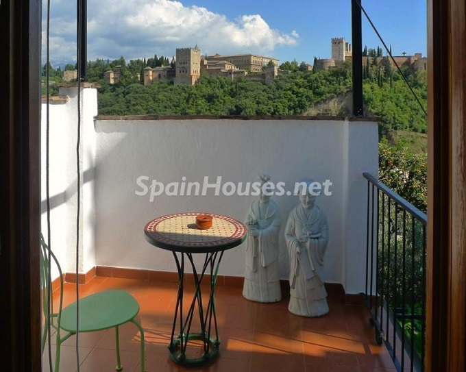 2. House for sale in Granada 3 - For Sale: House in Granada with unbeatable views to the Alhambra