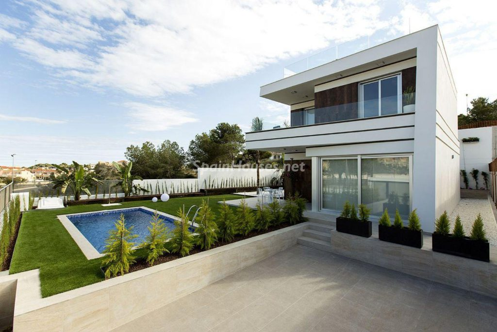 2. House for sale in Orihuela 1024x683 - Modern and stylish home for sale in Orihuela, Alicante