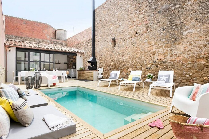2-house-in-girona-by-home-deco