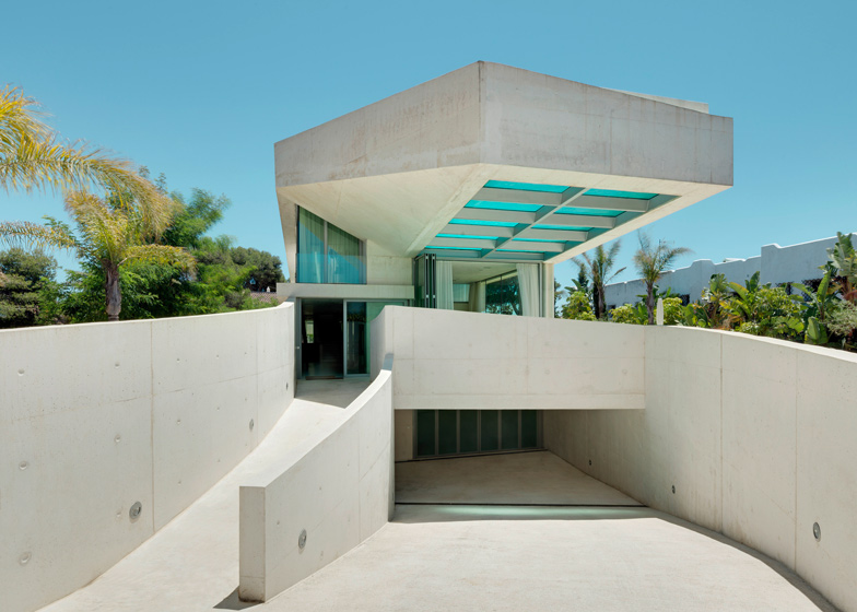 2. Jellyfish House - The Jellyfish House by Wiel Arets Architects in Marbella, Málaga