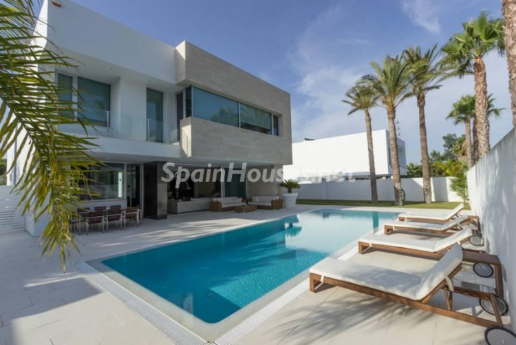 2. Modern style house for sale in Chiclana de la Frontera Cádiz e1460103765610 - For Sale: Modern Style House in Chiclana de la Frontera (Cádiz)