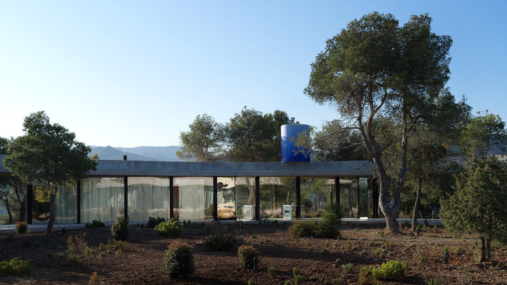 2. Solo House II by Office KGDVS in Matarraña Teruel - Solo House II by Office KGDVS encircles forested hilltop in Matarraña, Teruel
